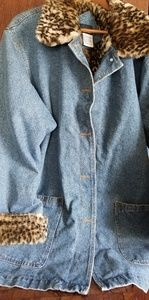 Hunters Run denim jacket w faux fur lining